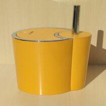 Brazilian model toilet bucket and brush